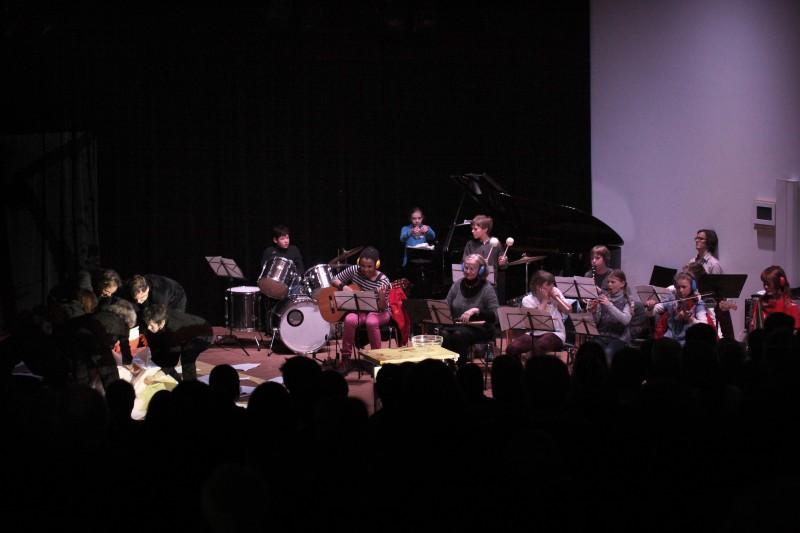 Ensemble baUsTeLLe, Projekt STILL UND BEWEGUNG beim Musik21-Festival in Lüneburg Februar 2013 Foto: Klaus Fleige